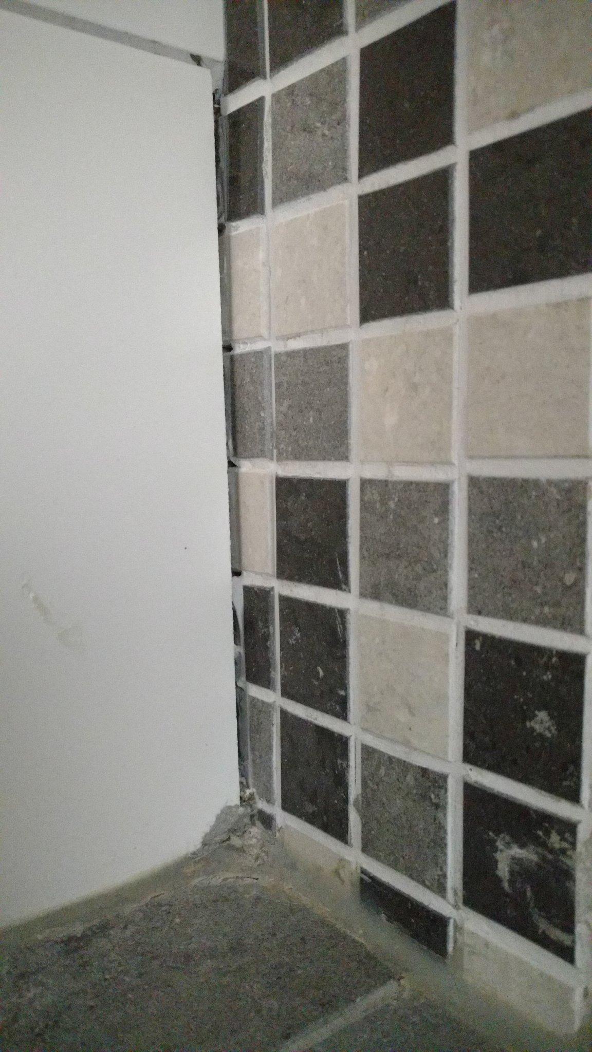 Nakijken voegen en kitranden badkamer werkspot - Kleine badkamer in lengte ...