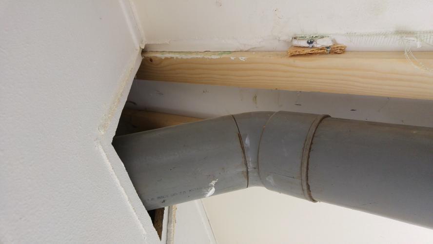 Badkamer Ventilatie Dakdoorvoer : Kanaal afzuigkap en dakdoorvoer vervangen werkspot