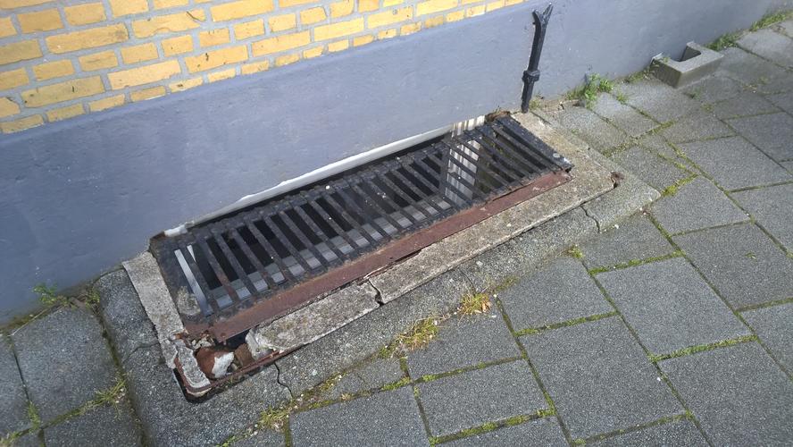 Vervangen betonrand koekoek kelderraam werkspot for Nieuwe trap laten plaatsen
