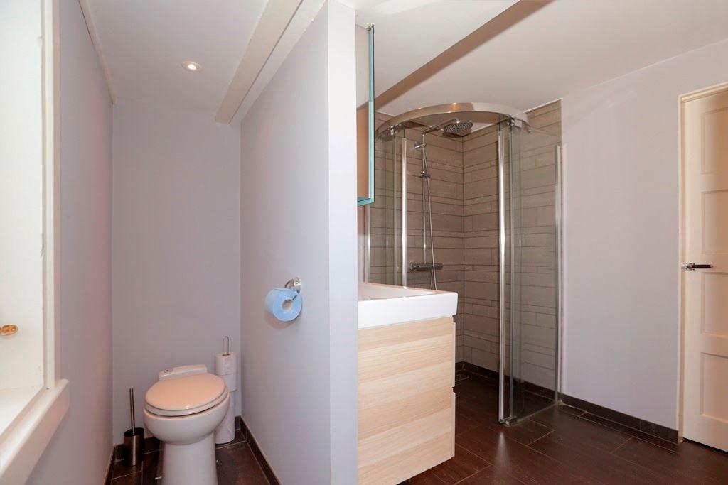 Douchewand Inloopdouche Plaatsen : Badkamer renoveren en brede afvoer plaatsen werkspot