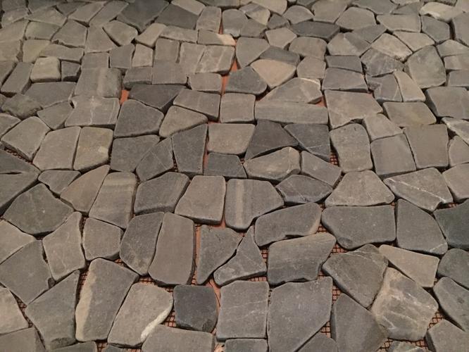 Mozaiek Matjes Badkamer : Tegelen wc met mozaïek matjes vloer en ombouw wc ongeveer 3 m2