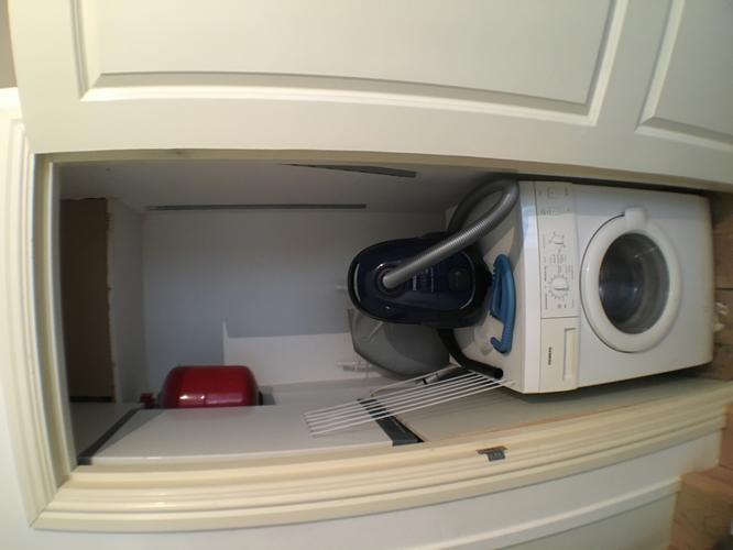 Wasmachine Kast Badkamer : Badkamer plaatsen wasmachine verplaatsen werkspot
