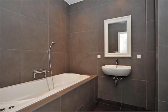 Badkamer tegelen Den Haag met SPOED! (40m2) - Werkspot