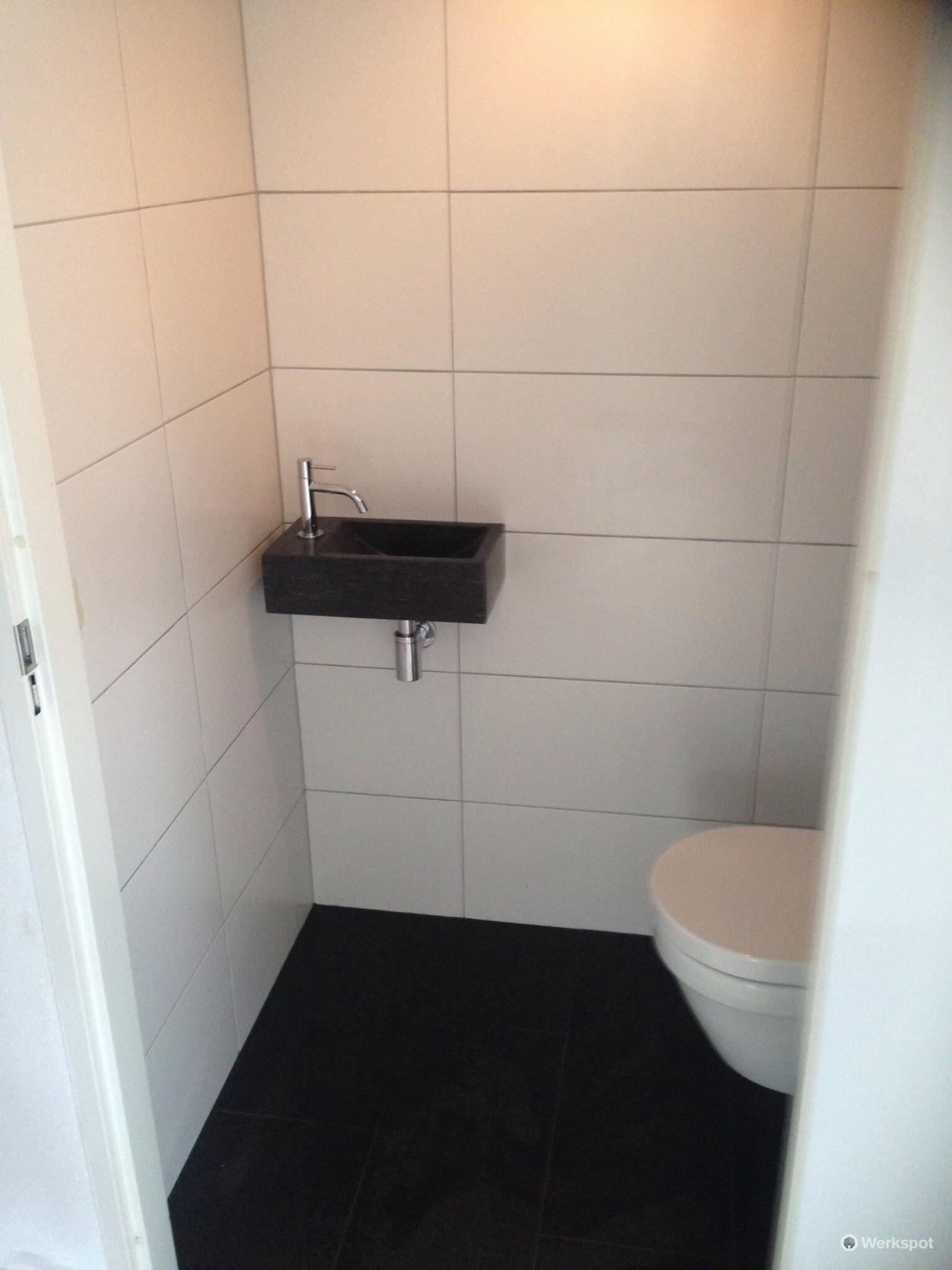 Anna paulowna toilet betegelen wanden en vloer werkspot for Toilet betegeld