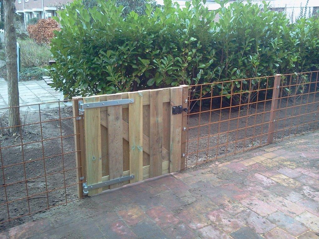 Hekjes Voor Tuin : Laag hekje plaatsen om tuin af te sluiten werkspot