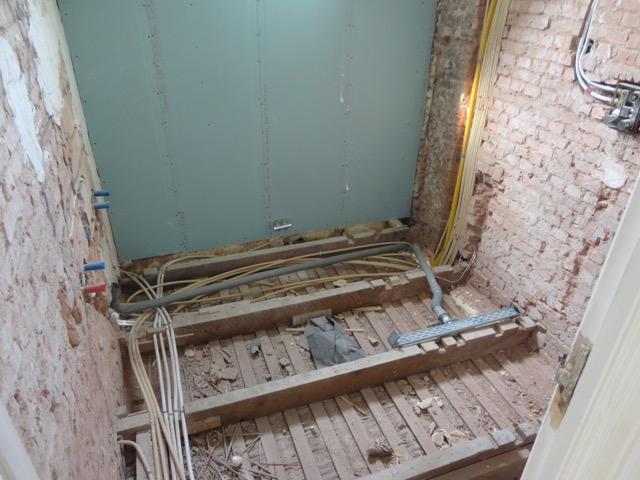 Super Lichtgewicht betonnen vloer op zwaluwstaartplaten leggen (Badkamer DL55