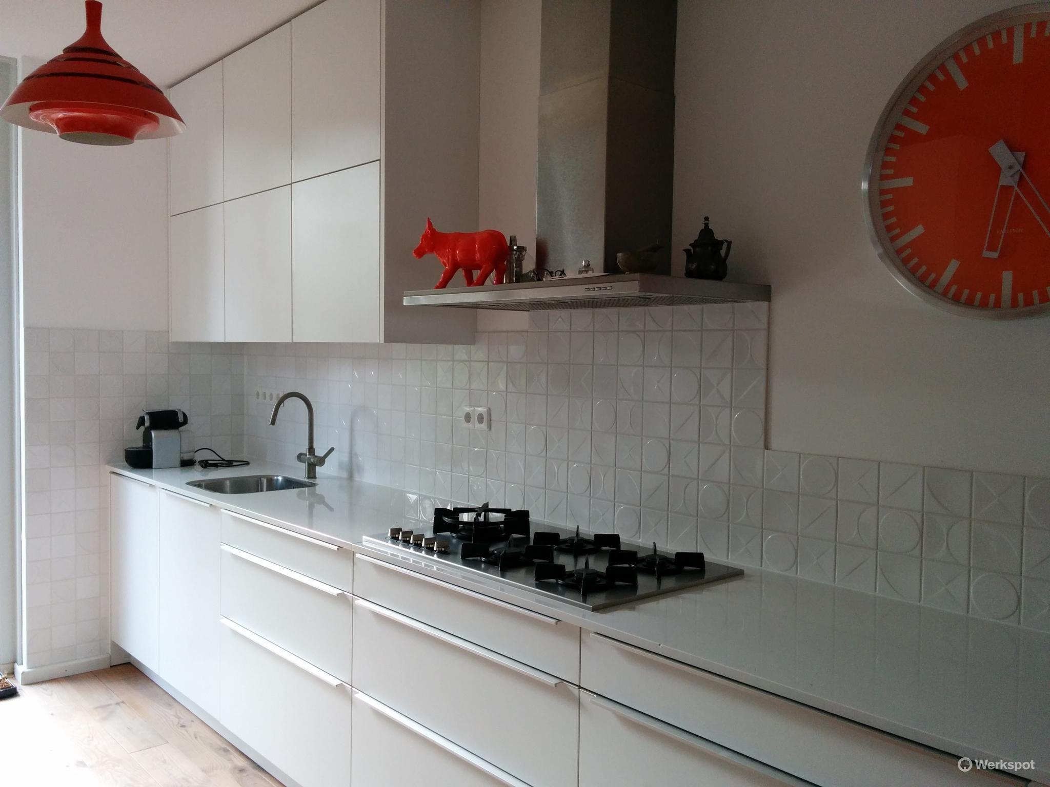 Tegels zetten op keuken achterwand werkspot