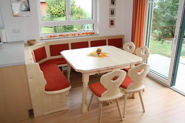 maken oostenrijkse zithoek op maat werkspot. Black Bedroom Furniture Sets. Home Design Ideas