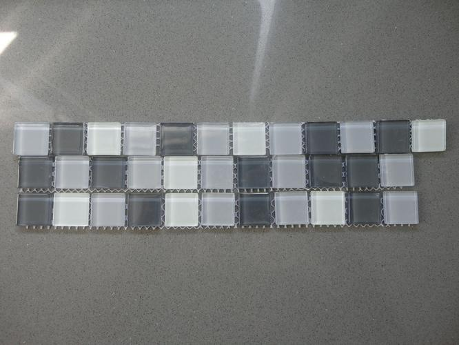 Mozaiek Tegels Plaatsen : Mozaïek tegels plaatsen keukenwand werkspot
