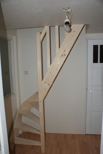 Verwijderen baksteen scheiding vliering en toegankelijker for Vaste trap ipv vlizotrap