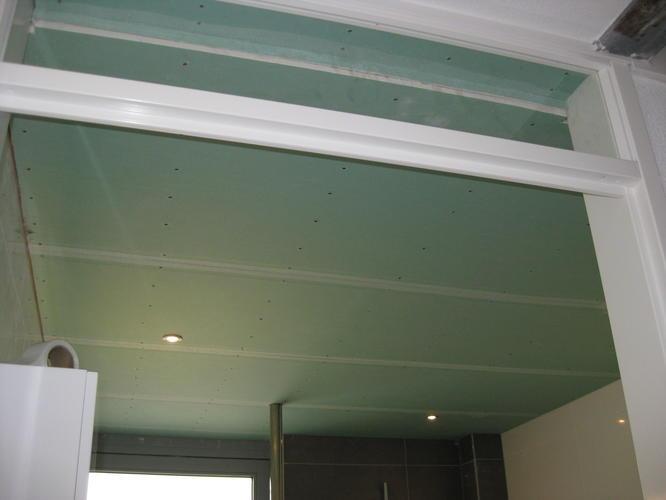 afwerken en stucken verlaagd plafond badkamer werkspot