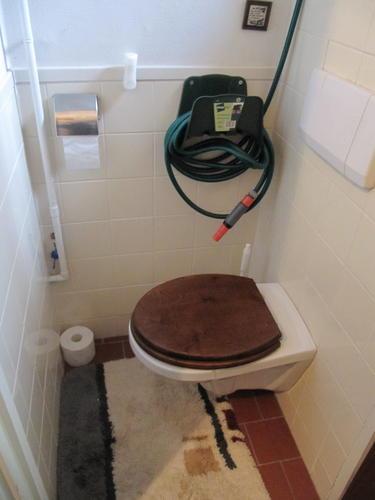 Van slaapkamer een badkamer maken toilet opnieuw tegelen for 3d tekening maken van badkamer