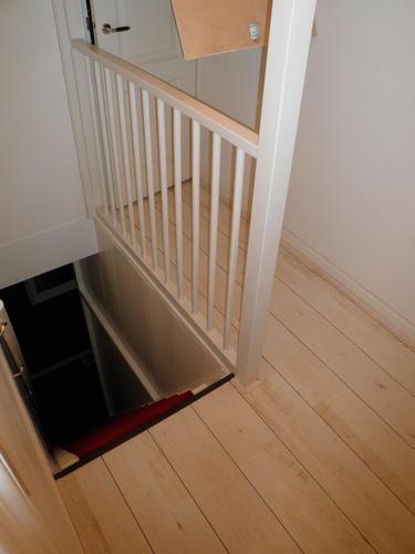 Plaatsen 39 vaste trap 39 naar zolder deur verplaatsen for Trap plaatsen naar zolder