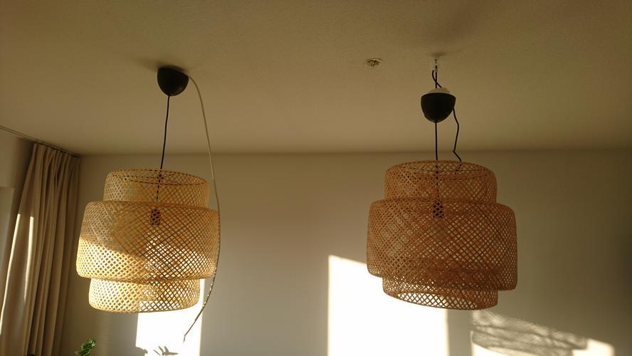 Twee Lampen Ophangen : Twee lampen hangen moeten nog voorzien van elektra en gootjes