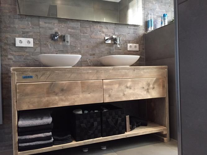 Steigerhouten wastafelmeubel kast badkamer werkspot