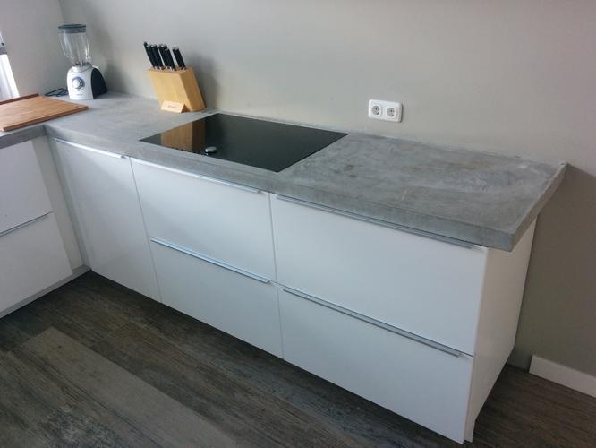 Beton cir betonstuc afwerking keukenblad werkspot for Betonstuc zelf aanbrengen