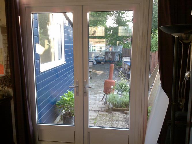 Hordeur Openslaande Deuren : Plisse rolhordeur plaatsen bij dubbele openslaande deur werkspot