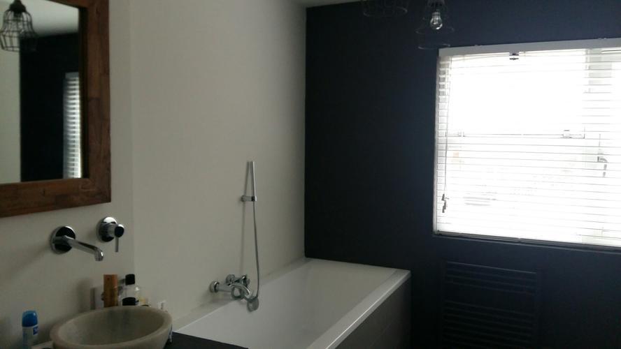 Badkamer Deels Betegelen : Gedeeltelijk betegelen badkamer werkspot