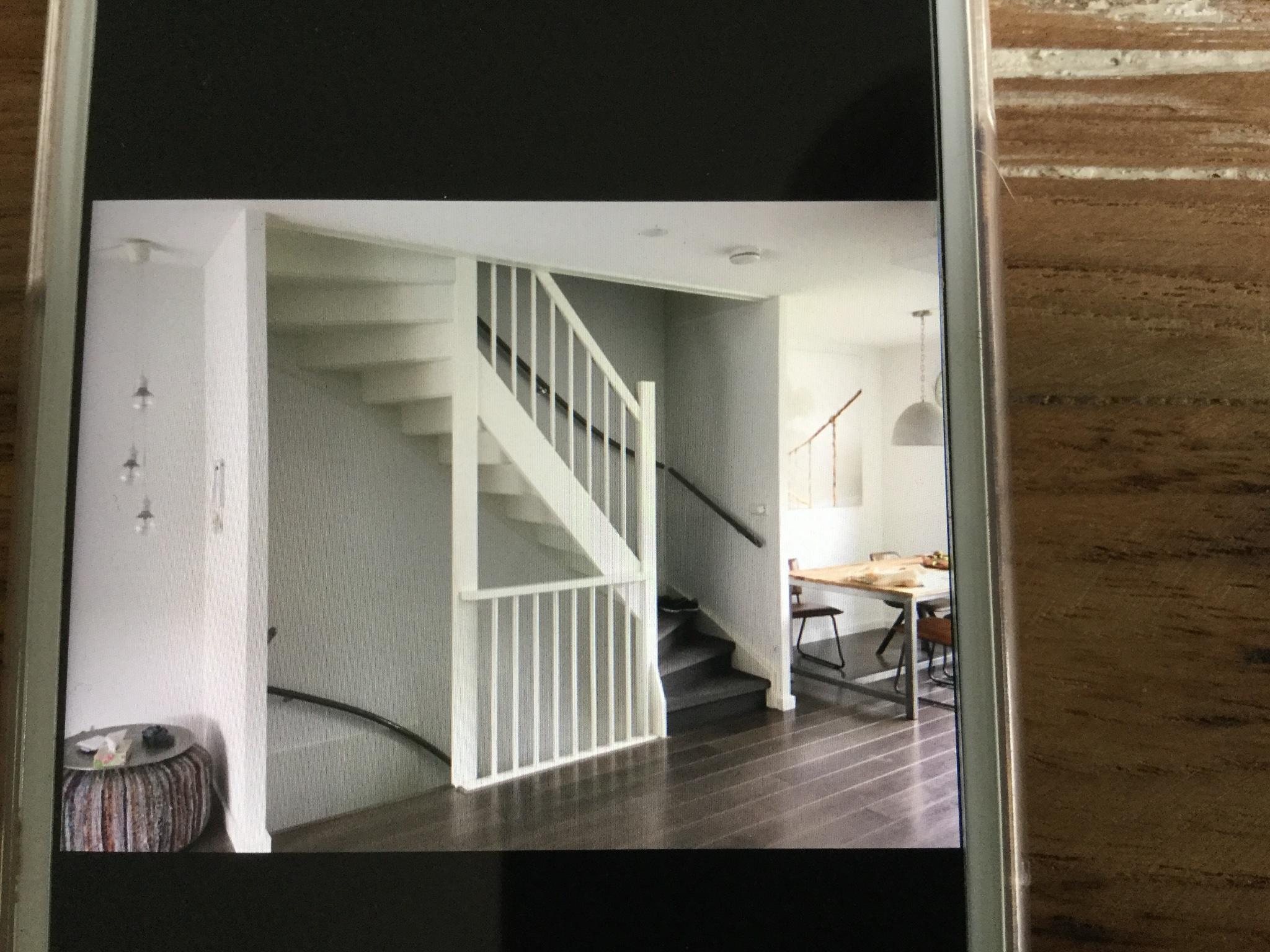 Schuifdeuren open trap plaatsen werkspot for Plaatsen trap
