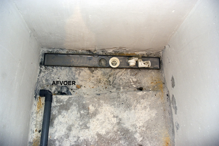 Goot Voor Inloopdouche : Inloop douche afwerken tegels douchegoot werkspot