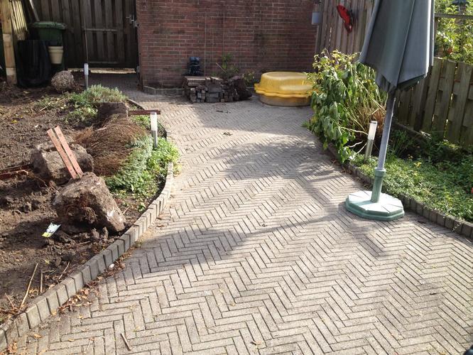 Renovatie achtertuin werkspot for Tuinontwerp 50m2