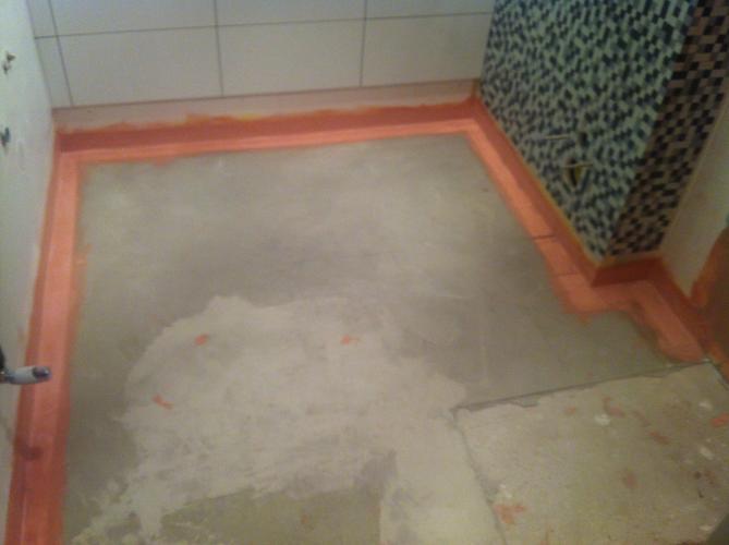5m2 badkamertegels leggen (op afschot naar drain) - Werkspot