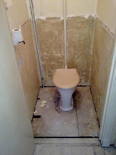 Badkamer voegen waterdicht maken badkamer ontwerp idee n voor uw huis samen met for Fotos wc hangen tegel