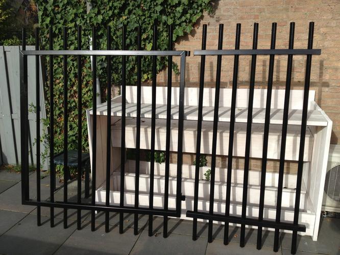 Hekwerk Tuin Metaal : Metalen hekwerk plaatsen werkspot