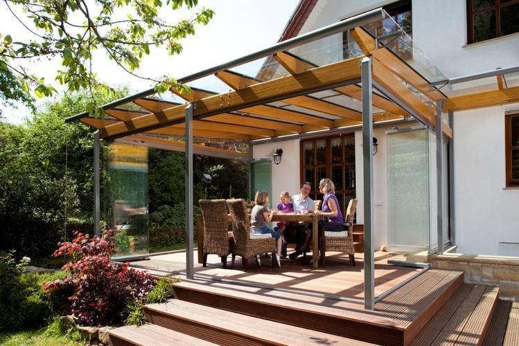 Houten veranda bouwen monteren plaatsen met glazen dak en for Vaste zoldertrap incl plaatsen en inmeten