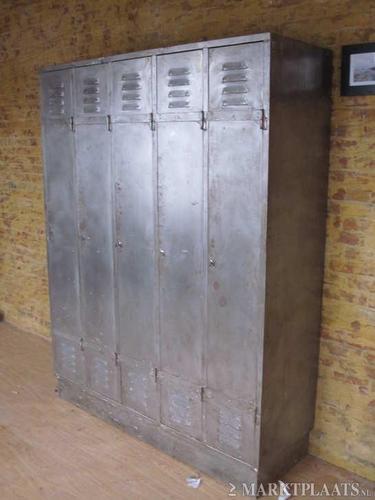Zware Metalen Kast Naar 2e Verdieping Tillen Werkspot