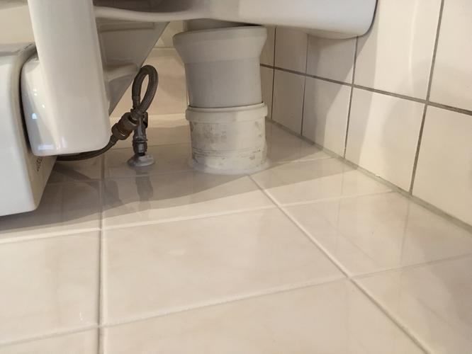Staande Wc Pot Met Inbouwreservoir.Inbouwreservoir Plaatsen Aansluiten Op Water En Riool En