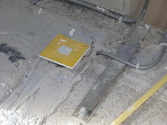 kimband en dekvloer in badkamer aanbrengen 5 m2 vloer tegelen - Werkspot