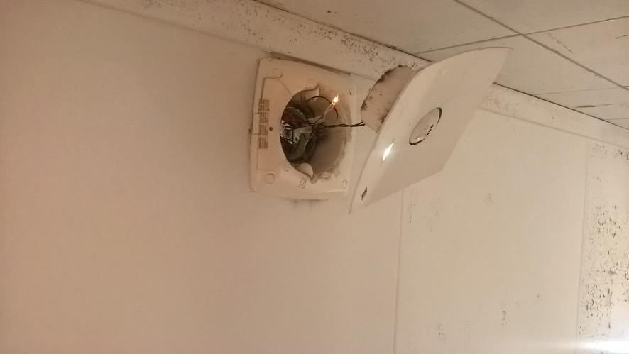 Herstel ventilatie badkamer - Werkspot