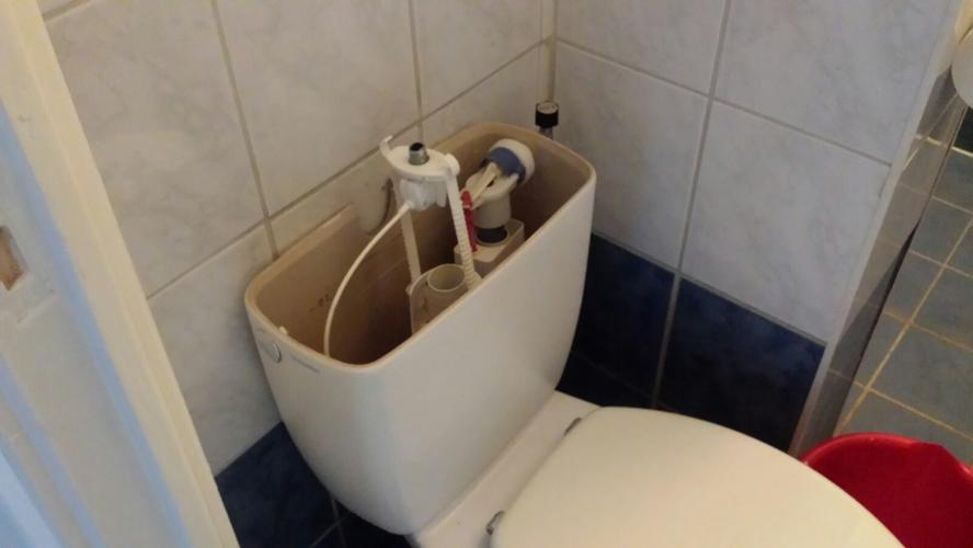 Binnenwerk Toilet Reservoir : Repareren vervangen binnenwerk stortbak woning amsterdam west