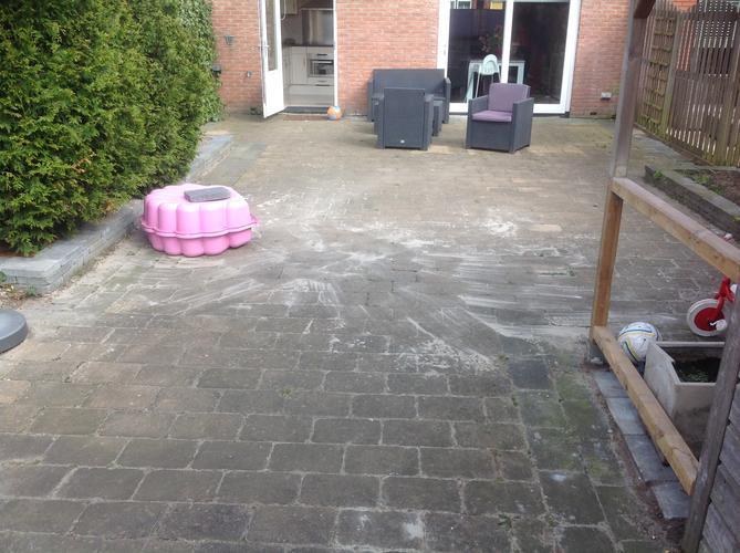 Tegels Tuin Schoonmaken : Tuintegels schoonmaken en grond egaliseren en herbestraten werkspot