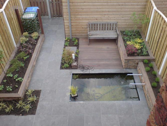 Strak tuin met vijvertje werkspot for Tuin uittekenen