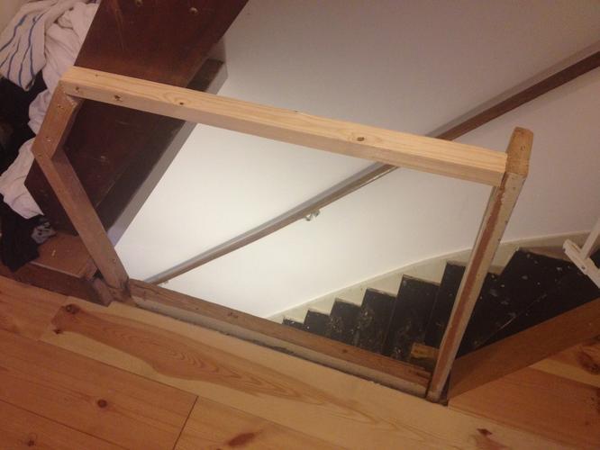 Wonderbaar Balustrade/traphek boven aan de trap maken - Werkspot CU-53