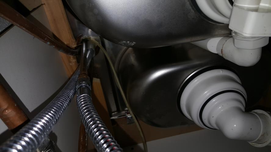 Badkamer Kraan Vervangen : Kraan vervangen werkspot