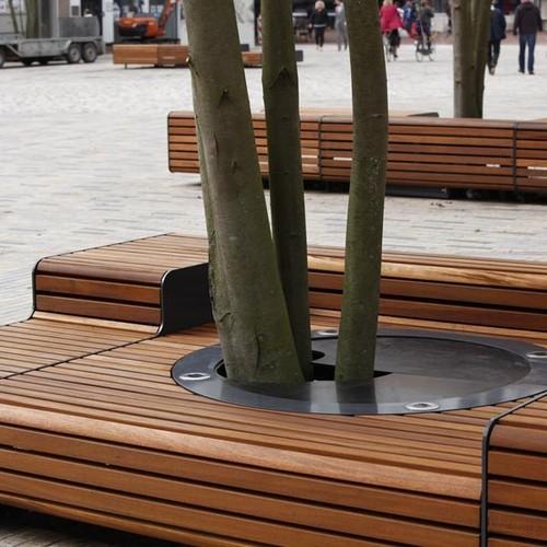 Extreem 3 Metalen / houten tuinbanken (5 x 2 meter) - Werkspot @UM95