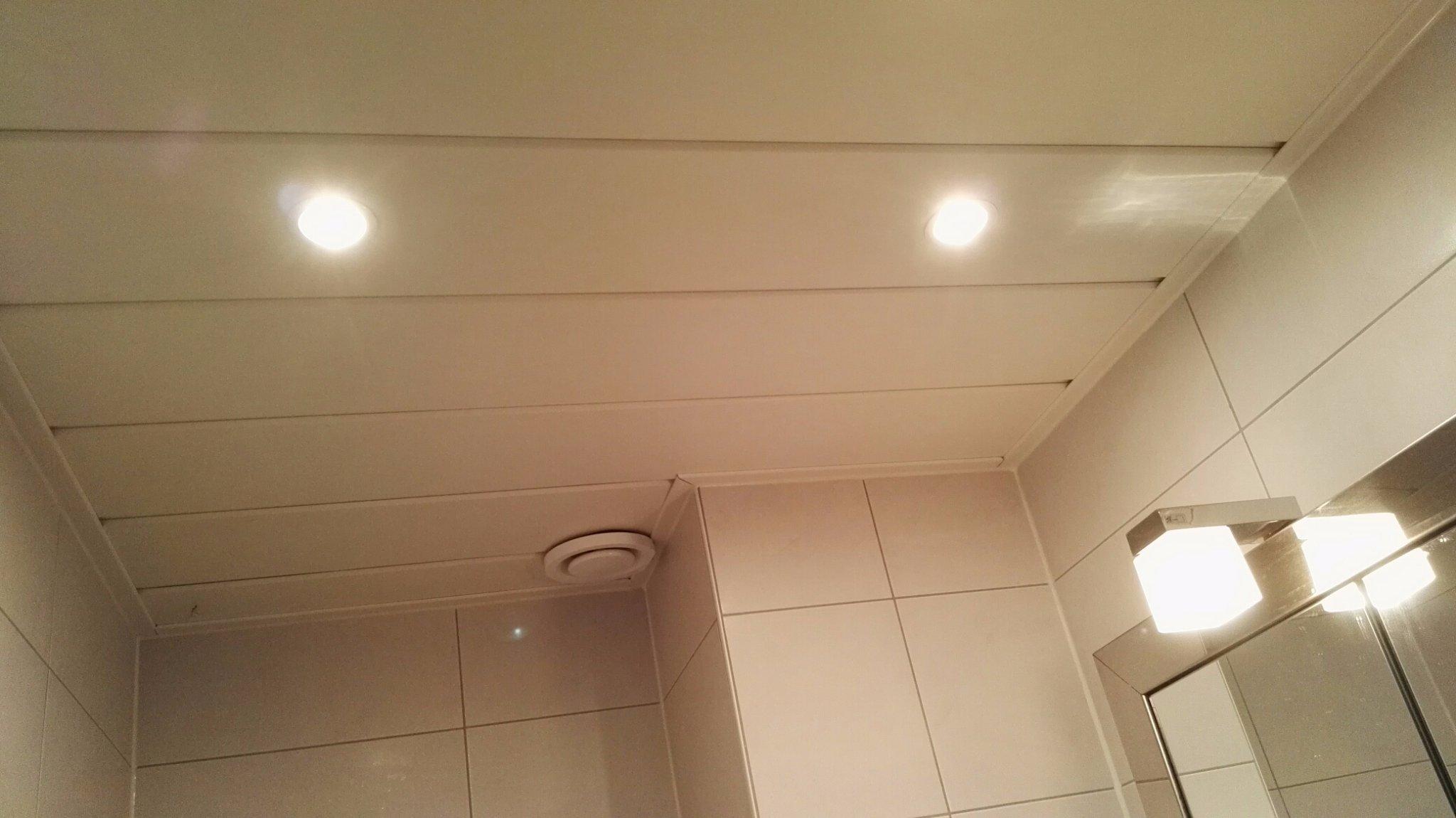 Afzuiging Badkamer Stroom : Ventilator plaatsen badkamer werkspot