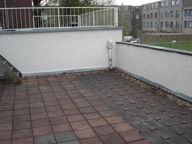 Vloer dakterras houtcomponsiet werkspot for Tegels voor dakterras