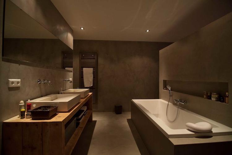 Badkamer voorzien van Tadelakt of marrakech schilderwerk - Werkspot