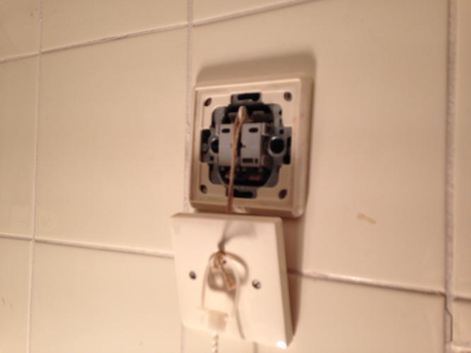 vervangen van de lichtschakelaar in de badkamer - Werkspot