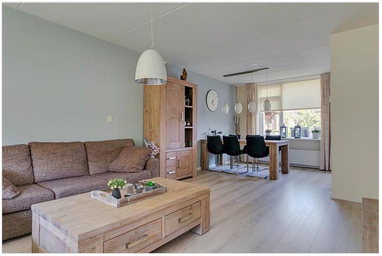 Woonkamer en slaapkamer laten behangen met glasvezel for Glasvlies behangen