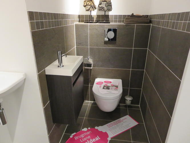 Brugman Toilet Renovatie : Renovatie staand toilet naar hangend toilet incl. tegelwerk werkspot