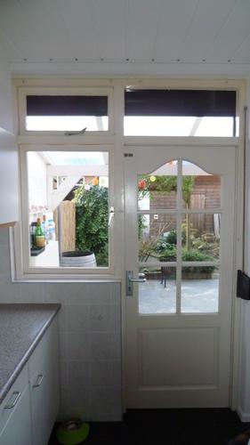 Vervangen keuken buitendeur en raam voor nieuwe houten for Houten decoratie voor raam