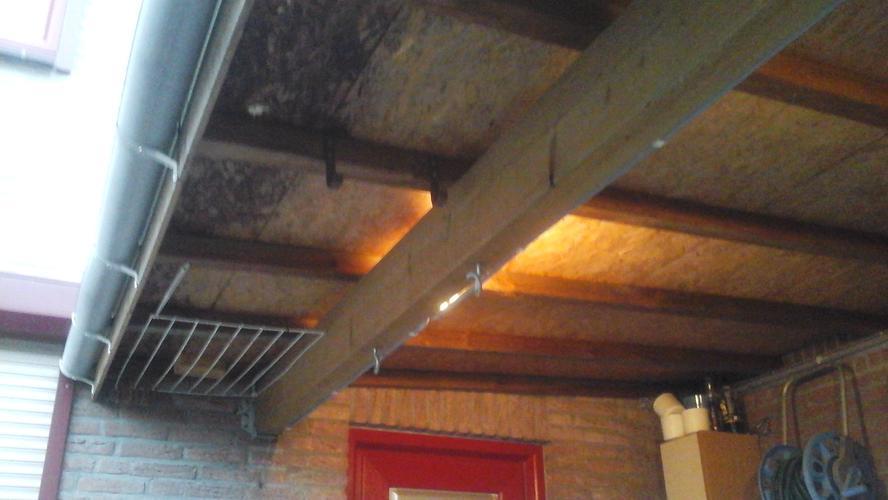 Renovatie semi plat dak met licht afschot incl dakgoot