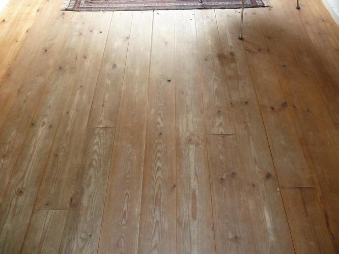 Massief Grenen Vloer : Schuren en in de olie zetten van massief grenen vloer werkspot