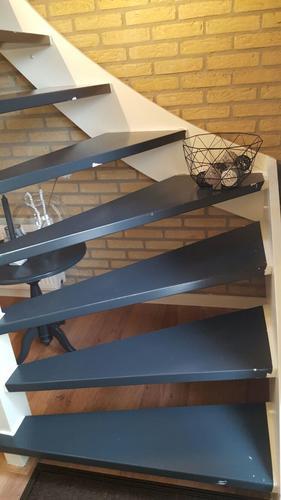 Vaak Open trap bekleden met vinyl. - Werkspot #QL81