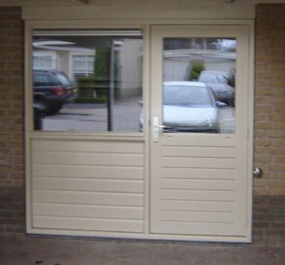 Uitgelezene kozijn (deur + raam) in garage pui plaatsen - Werkspot IA-66